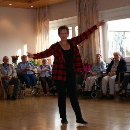 38. Tanztee im St. Elisabeth-Stift